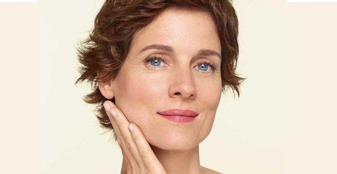 Ménopause et perte de collagène : pourquoi ma peau se relâche-t-elle ?