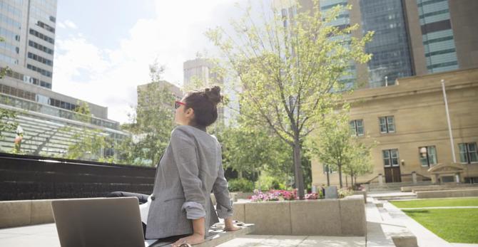 Protéger votre peau du soleil et de la pollution
