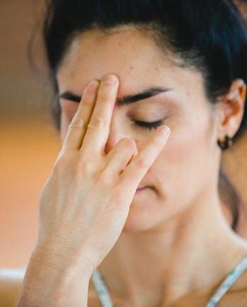 Massage du visage : donnez à votre peau un coup de pouce grâce à ce rituel matinal