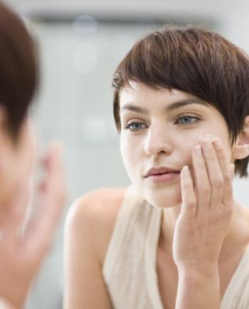Vichy à la rescousse !! Voici LES 4 moments durant lesquels votre peau a bien besoin d'un petit coup de pouce supplémentaire...