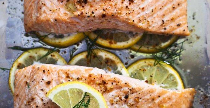 Le saumon: une peau hydratée et ferme grâce aux matières grasses saines.