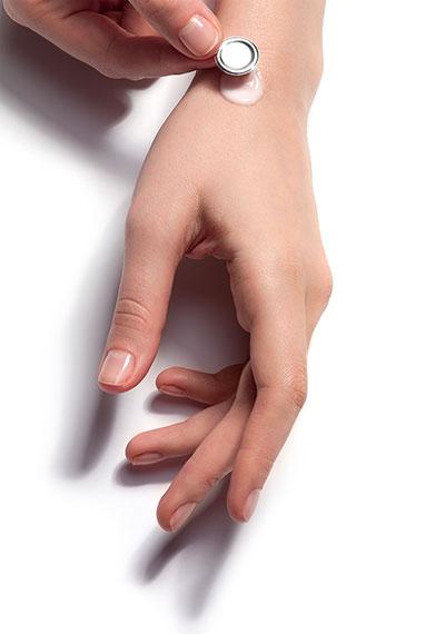 Vichy s'engage: Des formules hypoallergéniques testées sur peaux sensibles