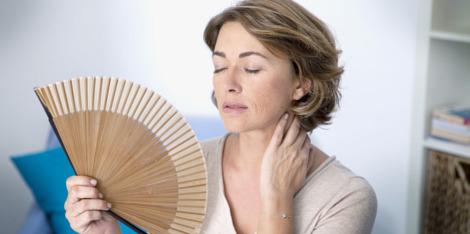 Pourquoi souffre-t-on de bouffées de chaleur à la ménopause