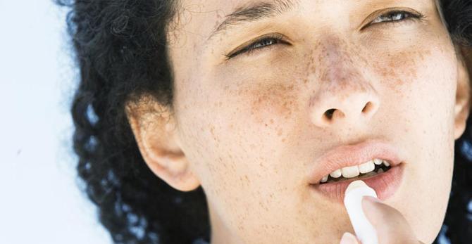 Prendre soin de vos lèvres sèches : trucs et astuces
