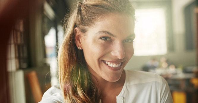 Soin des peaux adultes à imperfections :  5 astuces pour le jour, 5 conseils pour la nuit !