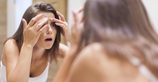 Massage du visage anti-rides : 1 minute contre les rides