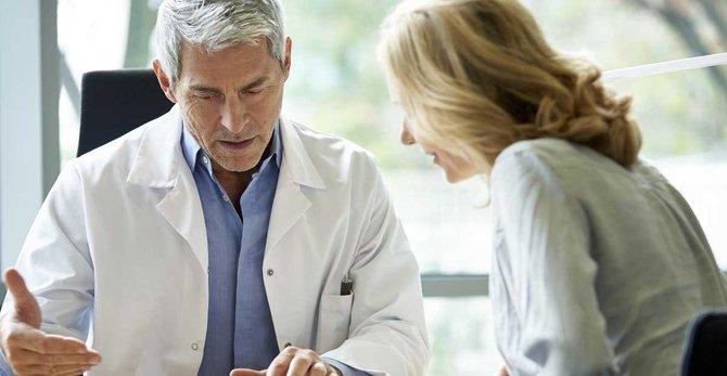 Dois-je consulter mon gynécologue régulièrement à la ménopause ?