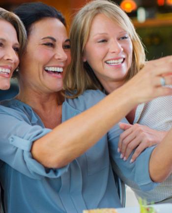 Retrouver un teint éclatant après la ménopause