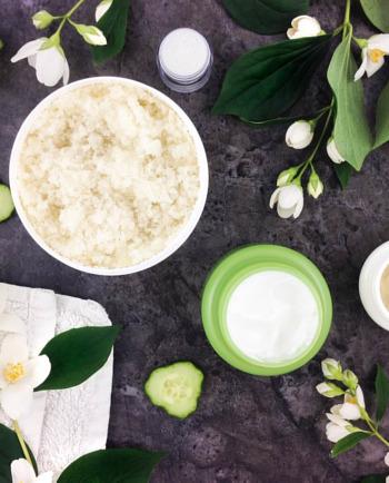 Natuurlijke cosmetica: geschikter voor de gevoelige huid?