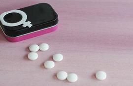 Hormones-contraception-et-acne-adulte-des-liaisons-dangereuses