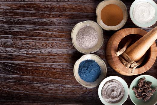 De traditionele geneeskunde en huidveroudering