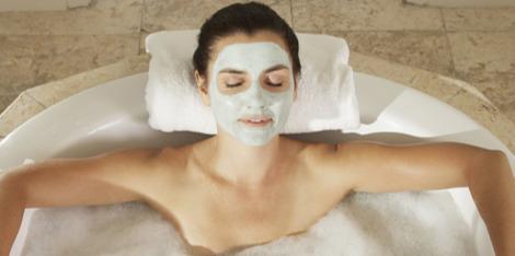 Verwen jezelf met een gezichtsmassage