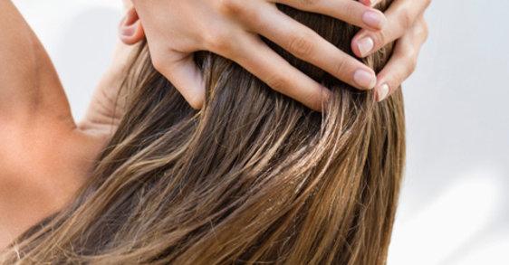 De haarkleur beschermen en vervaging voorkomen