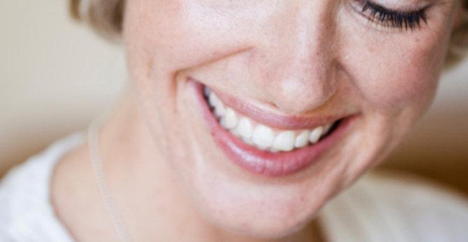 Tekenen van huidveroudering in uw gezicht beoordelen
