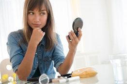 Tuto-video-le-bon-maquillage-pour-une-peau-sans-brillance-fullsize