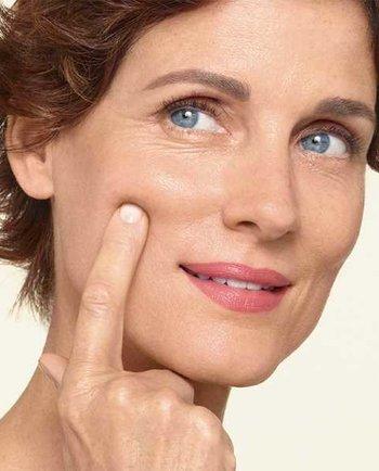 Hoe help ik mijn huid in de menopauze? Beste tips voor een goede huidverzorgingsroutine