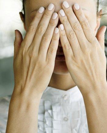 Make-up tutorial : het verbergen van zichtbare problemen van de huid